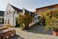 Weingut-Zuschmann-Schoefmann-Winzerhof